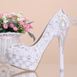 white flowers pearl rhinestone crystal diamond wedding shoes pumps