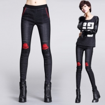 Europe fashion personality red hat knee sexy young lady jeans for party